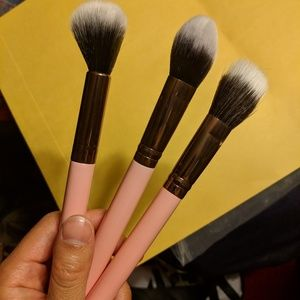 Other - NWT 3 Luxie makeup brushes